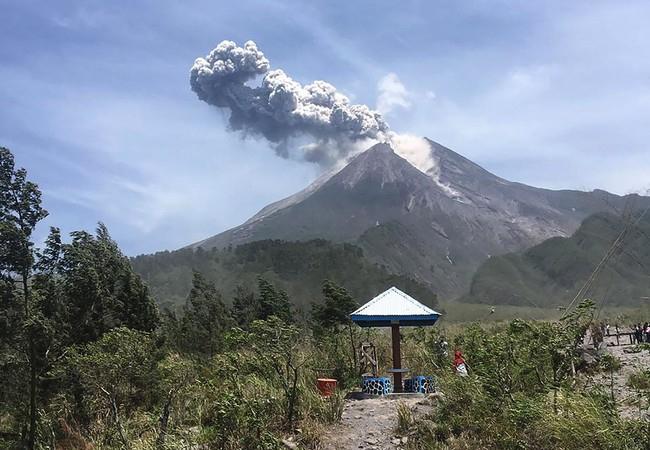Gunung Merapi Kembali Meletus, Tinggi Kolom 1000 Meter