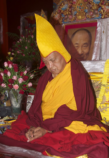 LonglifepujatoLamaZopaRinpoche,BodhGaya,India, January2012.