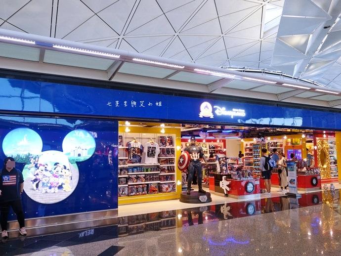46 香港機場 迪士尼奇妙店 買達菲熊免進迪士尼樂園