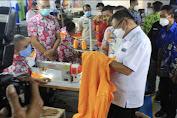 Rektor UNM Tinjau Garmen Lapas Makassar Langsung  Pesan 2000 Jas Almamater