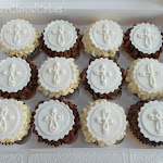 Holy Communion cupcakes 1.JPG