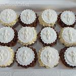 Holy Communion cupcakes 1.JPG