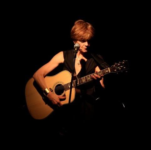 Juliet Lawson Photo 2