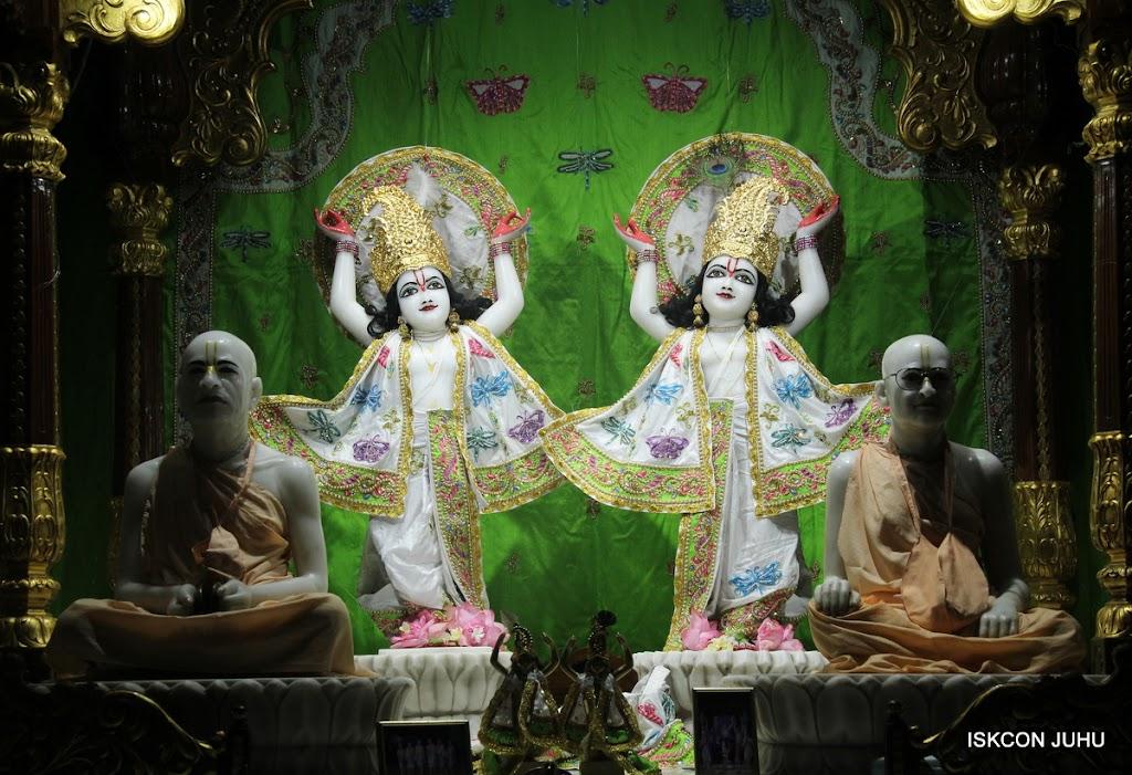 ISKCON Juhu Mangal Deity Darshan on 4th June 2016 (30)