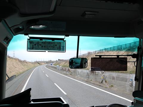 十和田観光電鉄「うみねこ号」 ・685 高速道路を南下中