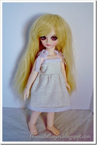 Of Bjd Fashion: Darling Little Sun Dresses: Off-white doll dress for yosd