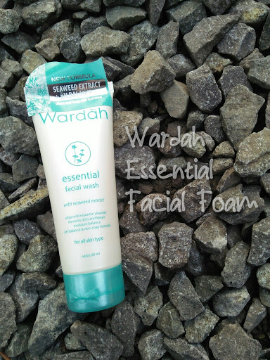 Wardah Essential Facial Wash - with Seaweed Extract