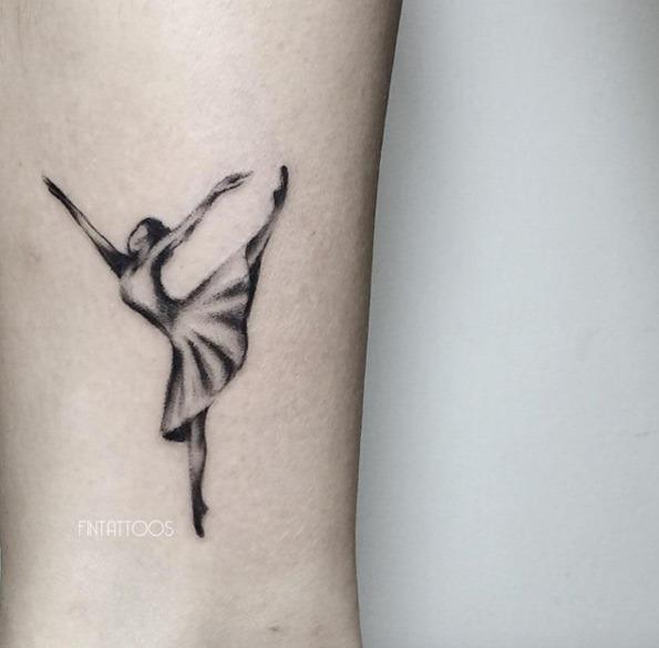 Este lindo o preto e o cinza tinta bailarina tatuagem