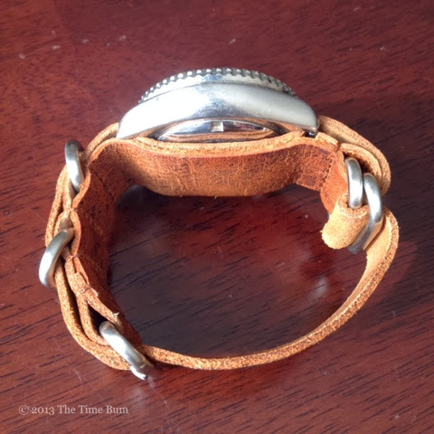 how to wear a zulu strap