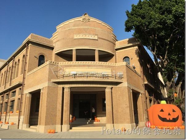 台南市立美術館-大門