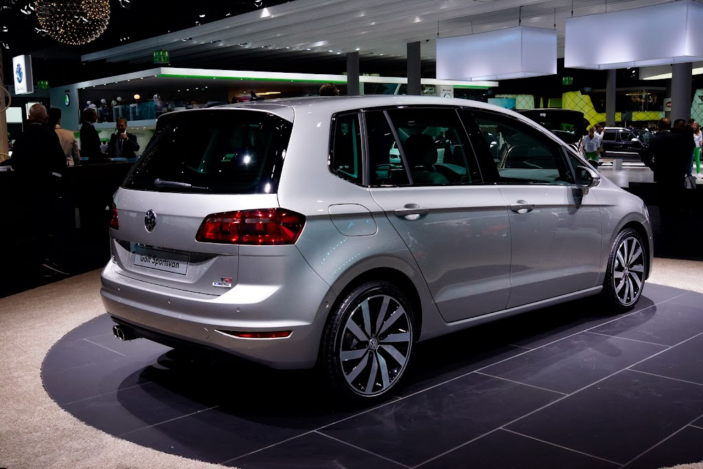 2014-VW-Golf-Sportvan-2