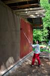 Uhh, un nu arī trakākais mirklis klāt - sākam krāsot sienas!!