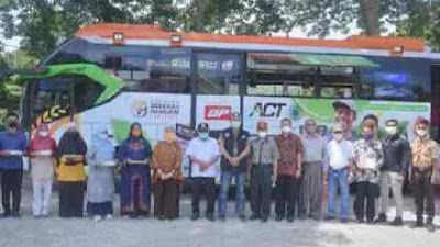 Food Bus ACT Berikan Bantuan Makanan Bergizi di Sawahlunto