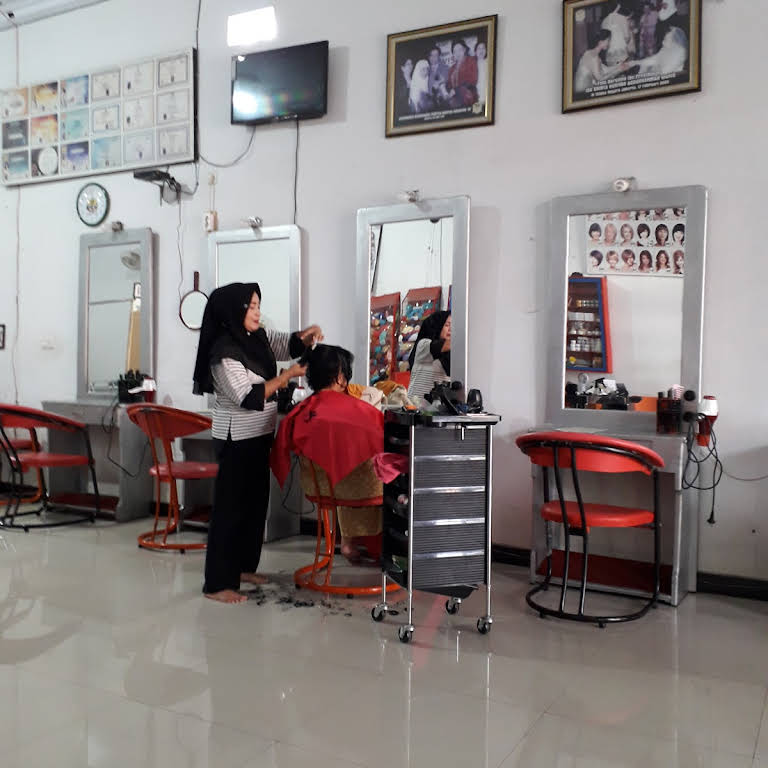 Ajeng Salon Spa Perawatan Wajah