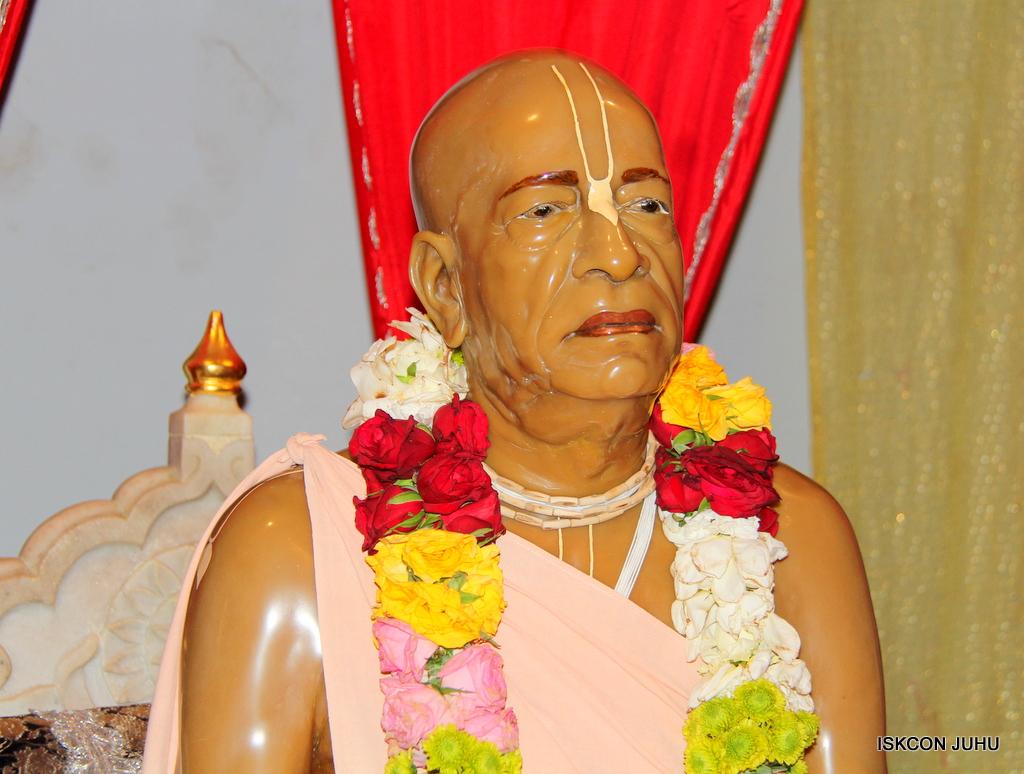 ISKCON Juhu Mangal Deity Darshan on 24th Oct 2016 (2)
