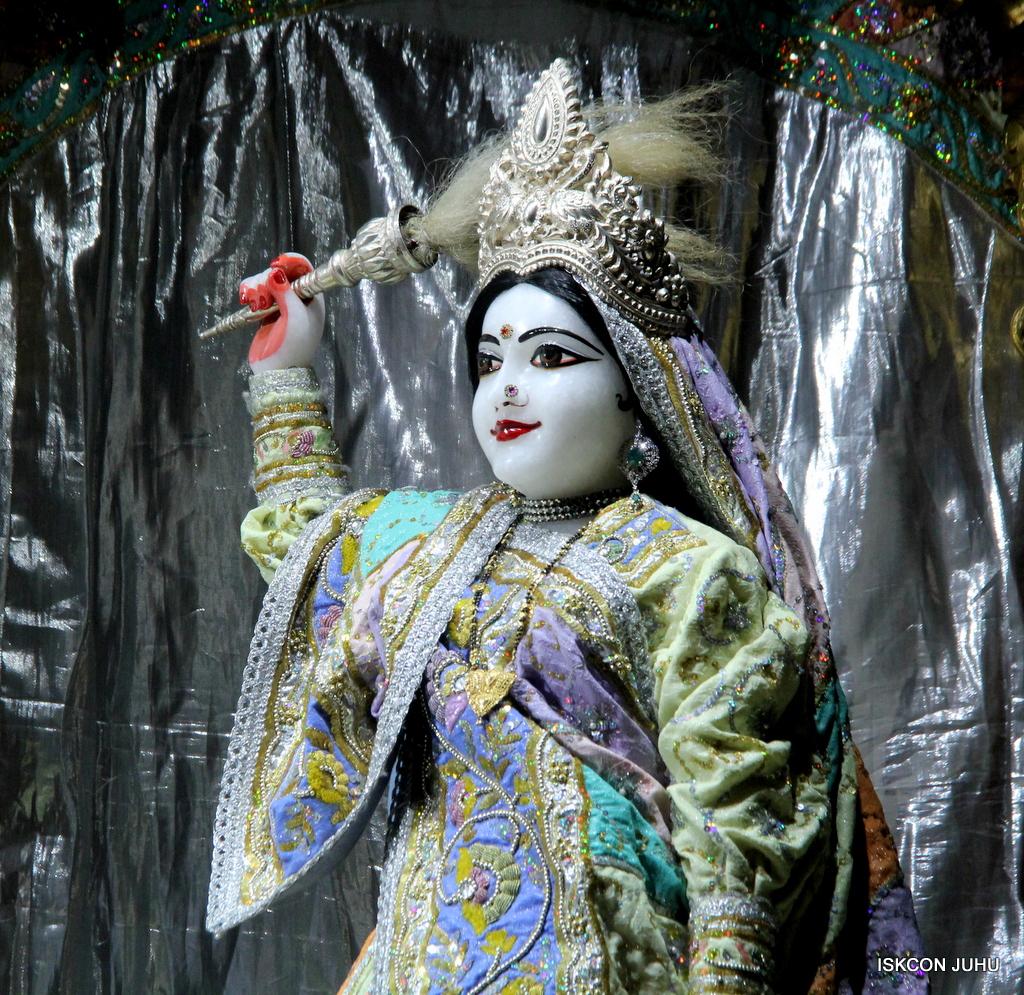 ISKCON Juhu Mangal Deity Darshan on 20th Oct 2016 (20)