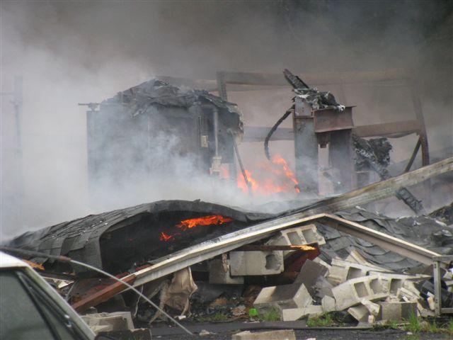 Friendfield Rd. Auto Repair Shop Fire 007.jpg