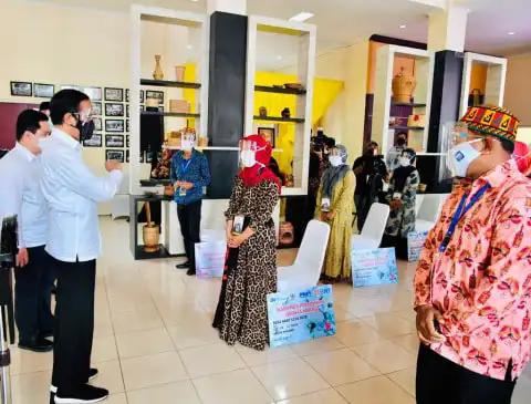 Presiden Jokowi Bantu 12 Juta Pelaku Usaha Mikro dan Bangun Jalan Tol Aceh