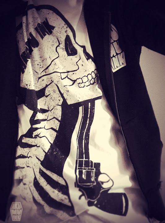 akumuink, skull shoot, skull shirt, suicide shirt, emo shirt, punk shirt, punk skull, skull gun shirt
