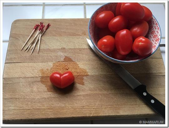 Pomodorini a forma di cuore4