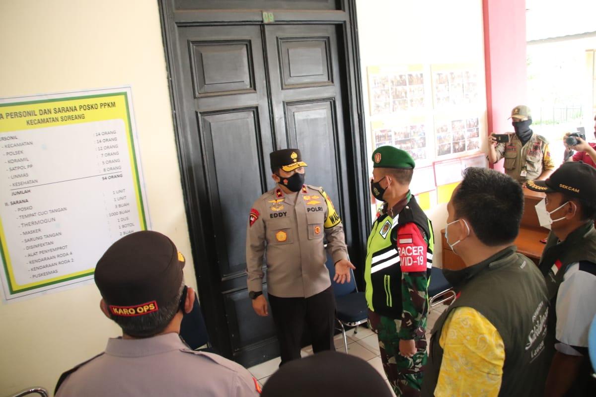 Wakapolda Jabar Cek Pos PPKM Wilkum Polresta Bandung Polda Jabar