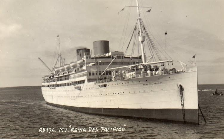 10- Bonita foto del REINA DEL PACIFICO. Aun construido en las años treinta tenia una clasica silueta inglesa. Web Photo Credit.jpg