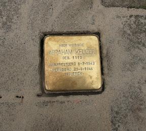 Maaierstraat 28 - Stolperstein Abraham Keijzer