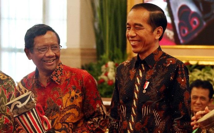 Mahfud Sebut Jokowi Sebenarnya Ingin Terbitkan Perppu KPK, Pengamat: Omong Kosong Saja Itu, Rakyat Paham Sandiwara Ini!