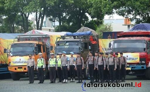 3 Truk Bantuan Logistik dan Personel Polda Jabar Diturunkan ke Lokasi Longsor Cisolok Sukabumi