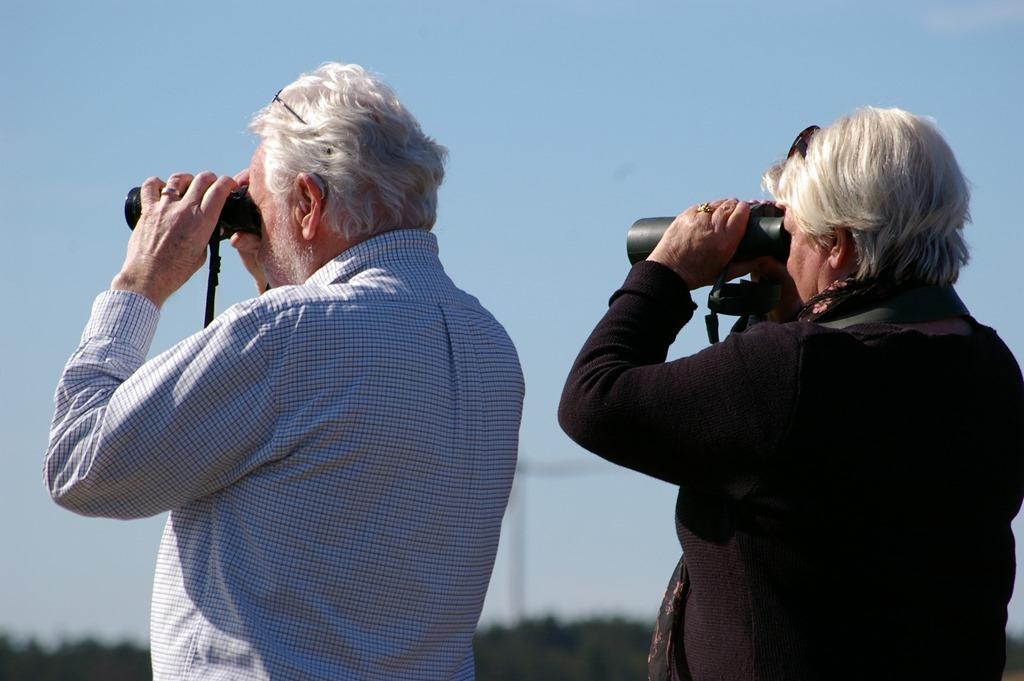 [binoculars5]