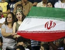 ايران تحظر مشاهدة مباريات كرة القدم على النساء