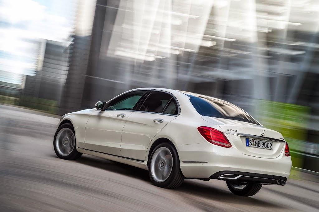 2014-Mercedes-C-Serisi-23