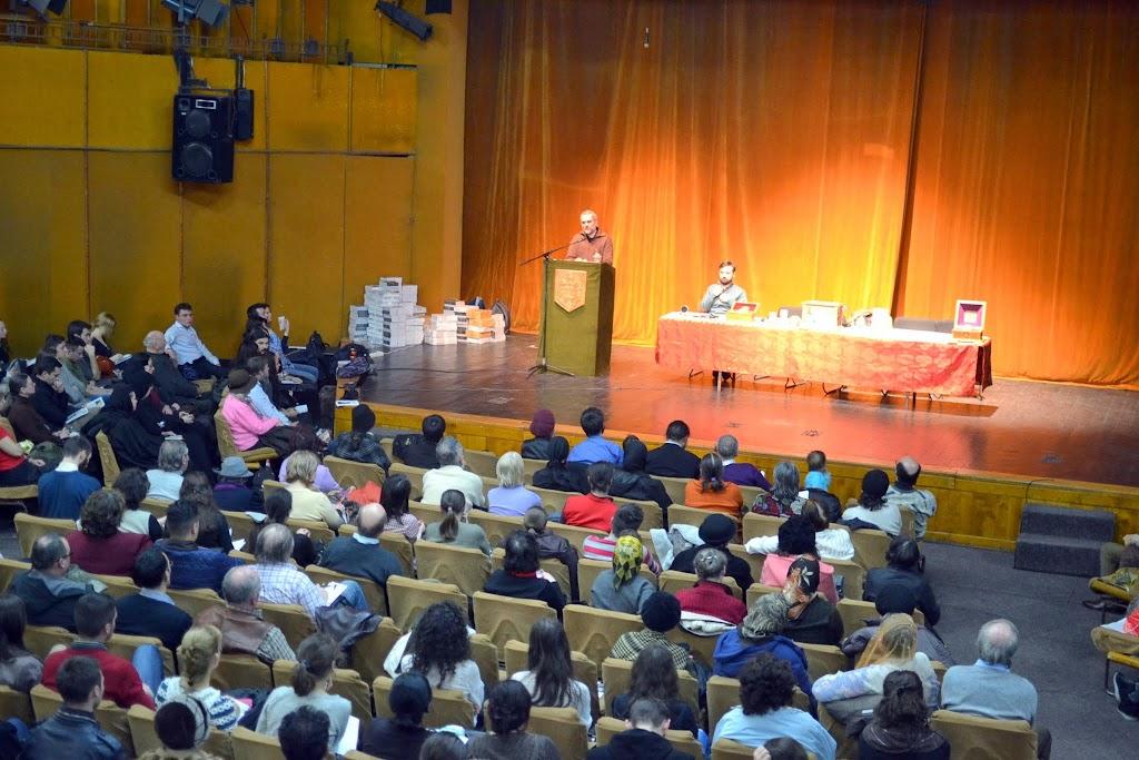 051 Avva Justin Parvu si Sfintii inchisorilor (Teatrul Luceafarul, Iasi, 2014.03.19)