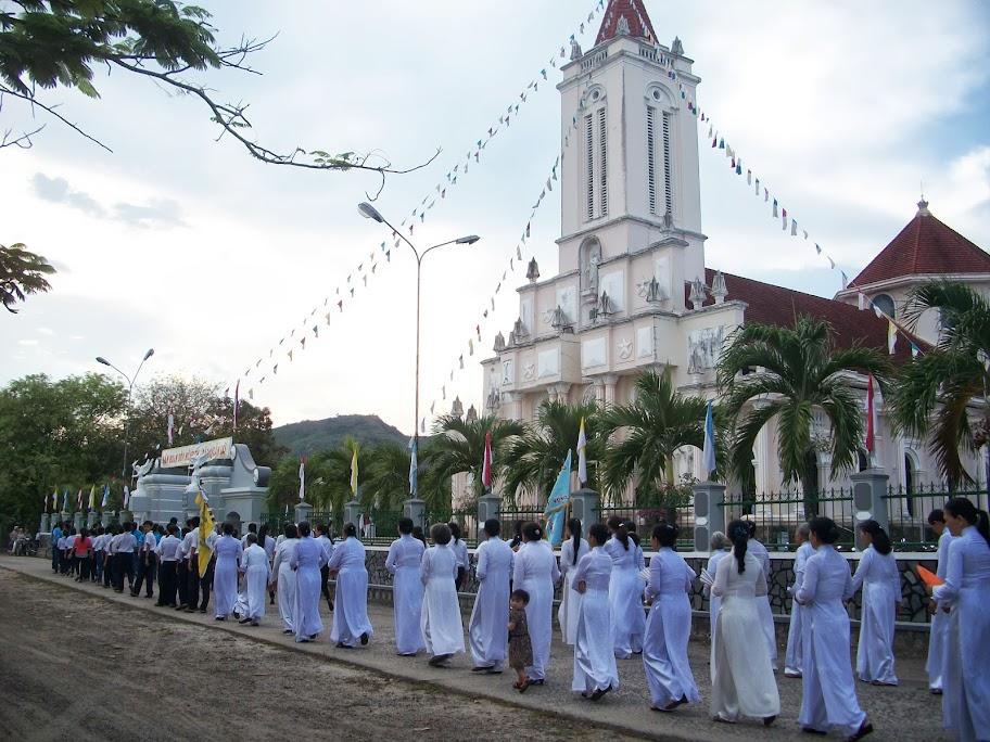 Thánh lễ nhậm chức Cha Tân Quản Xứ Luy Nguyễn Phúc Hải tại Giáo xứ Cây Vông
