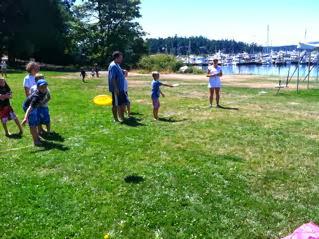 2013 Kids Cruise - frisbee%25252520throw.jpg