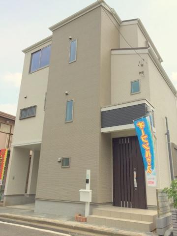 北野駅徒歩7分の素敵な3階建♪♪