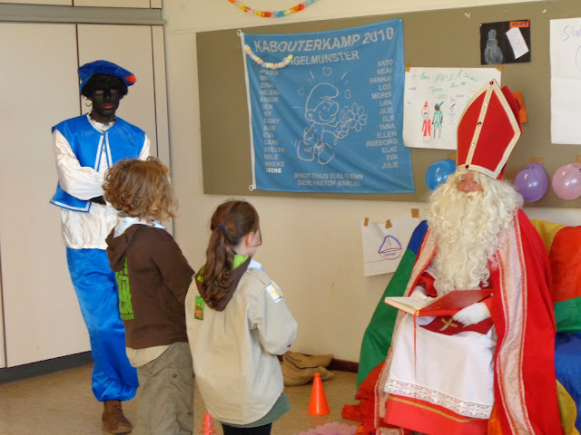 Sinterklaas op de scouts - 1 december 2013 - DSC00204.JPG