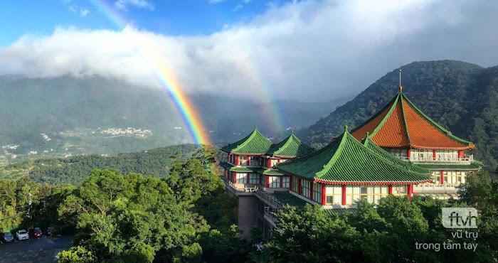 Cầu vồng xuất hiện liên tục suốt 9 tiếng ở Đài Loan