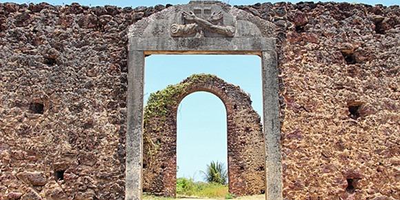Ruínas da Igreja de São Francisco - Alcantara, Maranhao, foto: Viaje na Viagem