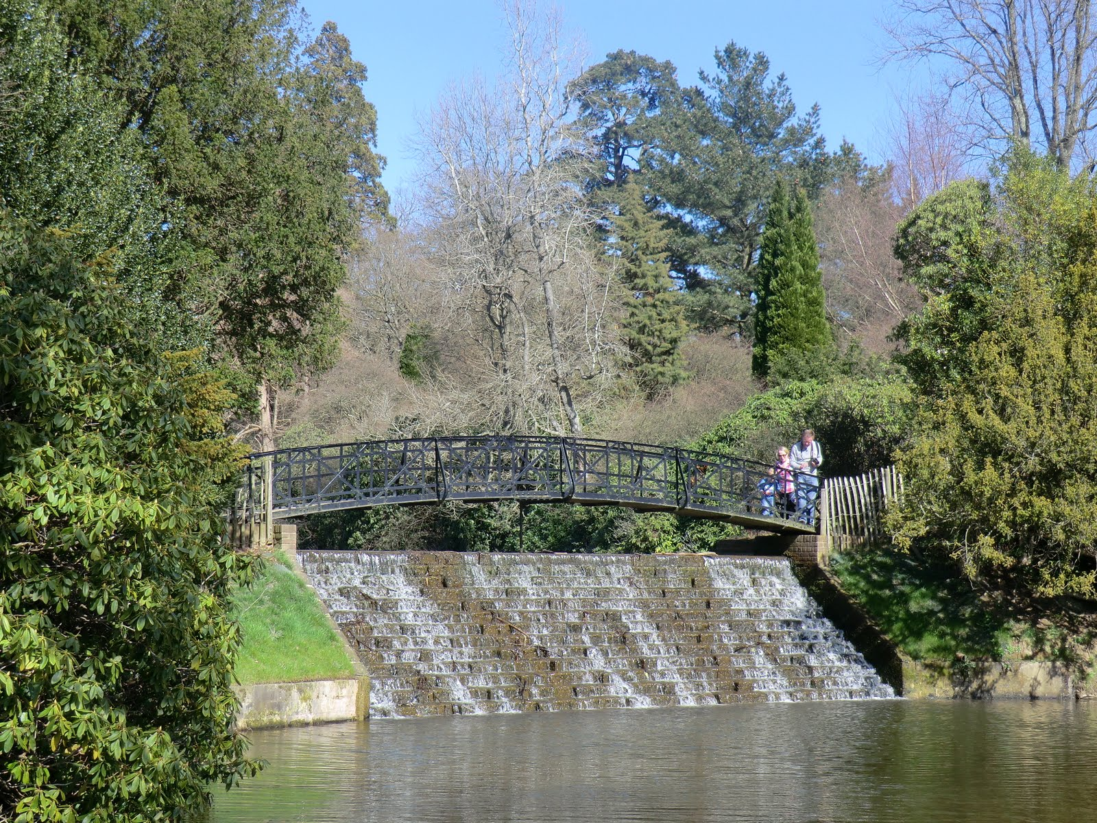 CIMG2298 Cascade Bridge, Sheffield Park and Garden