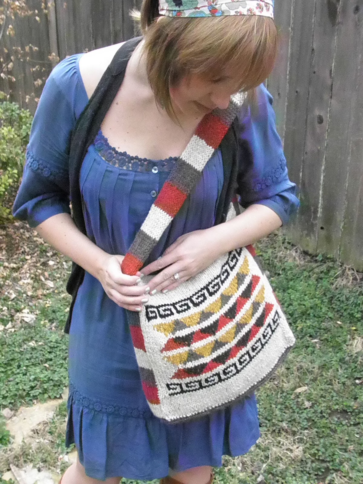 elletrain knits *: Bohemian Satchel Knitting Pattern