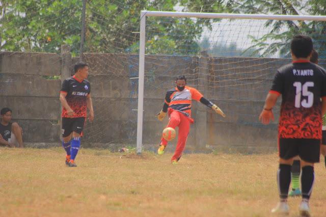Kiper Veteran Ini Anter Timnya Juara Tiga Twelvefeo Bengkong Cup 2020