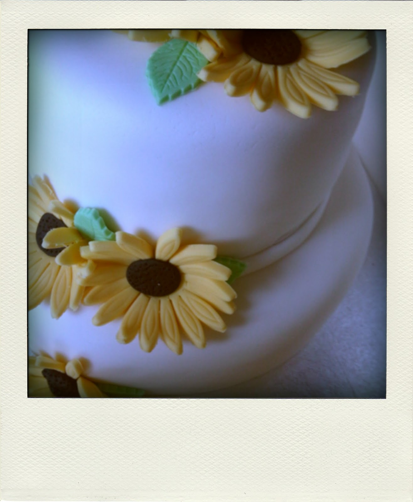 Strange Hello Is It Tea Youre Looking For Spring Birthday Cake Funny Birthday Cards Online Elaedamsfinfo