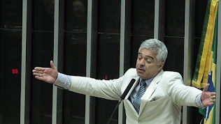 Major Olímpio viraliza nas redes ao chamar Flávio de 'ladrão' e Eduardo de 'bananinha'