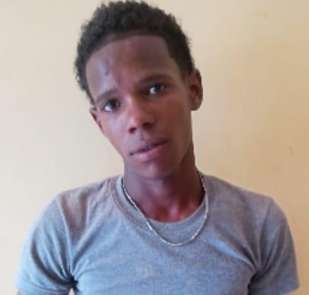 "Barahona: P. N. arresta a ""KUKITO"" por robo de motocicleta y  atraco  a mano armada"