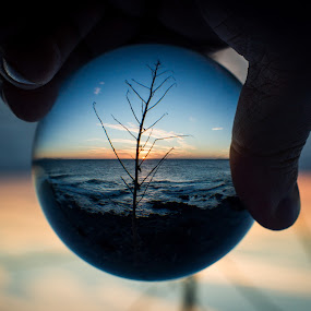 Look closer by Ron n'Roll - Artistic Objects Glass ( ball, romantic, sunset, crystal ball,  )