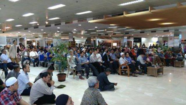 Rapat umum usaha supermarket 212
