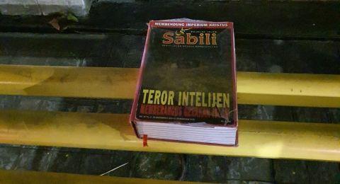 Benda Mencurigakan Tergeletak di Depan GPIB Effatha, Ternyata Isinya Buku Sabili