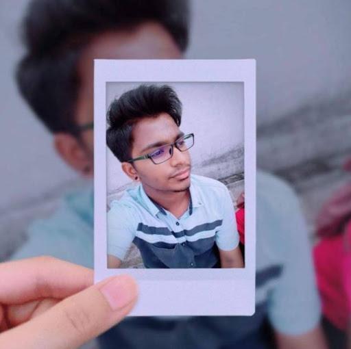 user Roshan Selvam22 apkdeer profile image