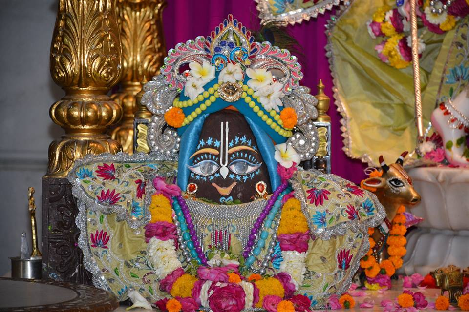 ISKCON Ujjain Deity Darshan 1 April 2016 (3)
